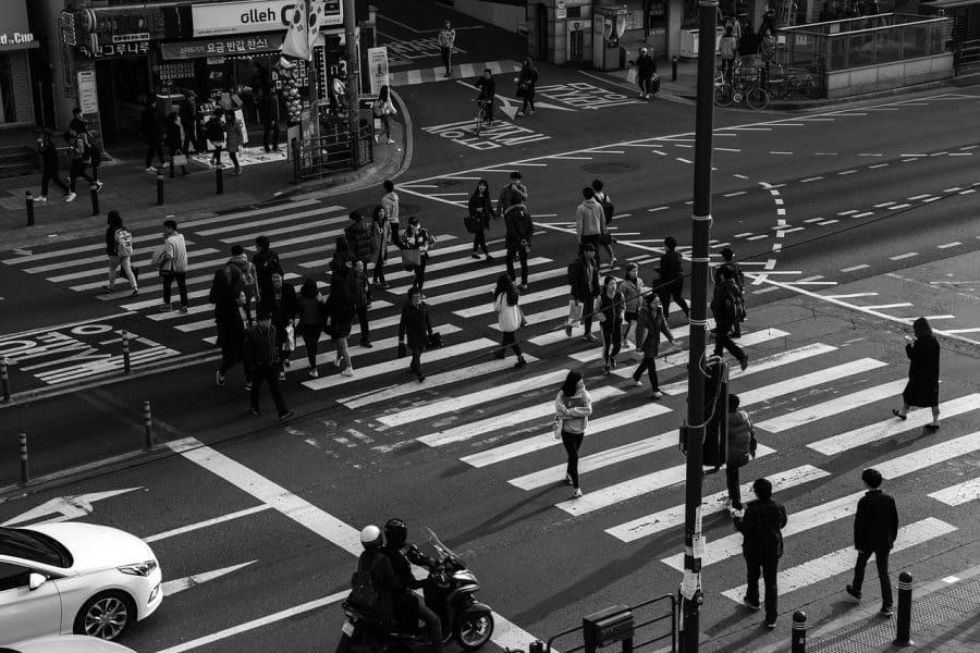cebra peatonal ciudad